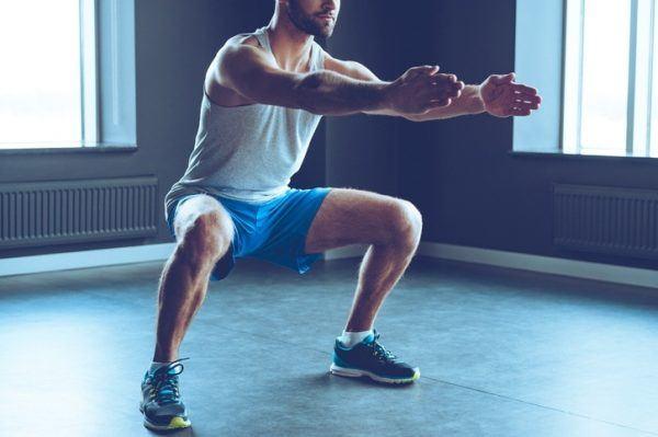 Beneficios del yoga para adelgazar ejercicios gluteos sentadillas