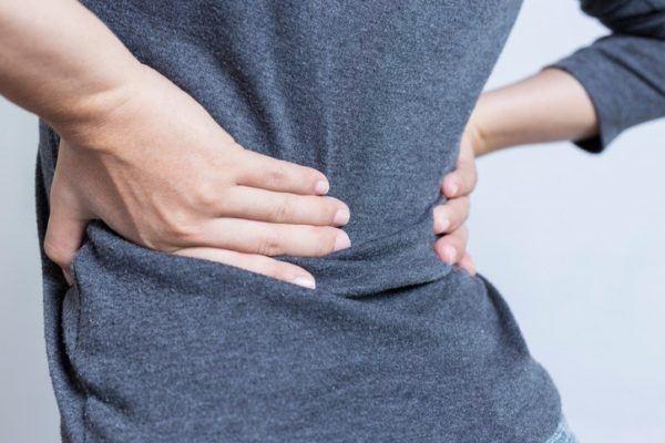 Que es y como se produce una ciatica dolor en la parte inferior de la espalda
