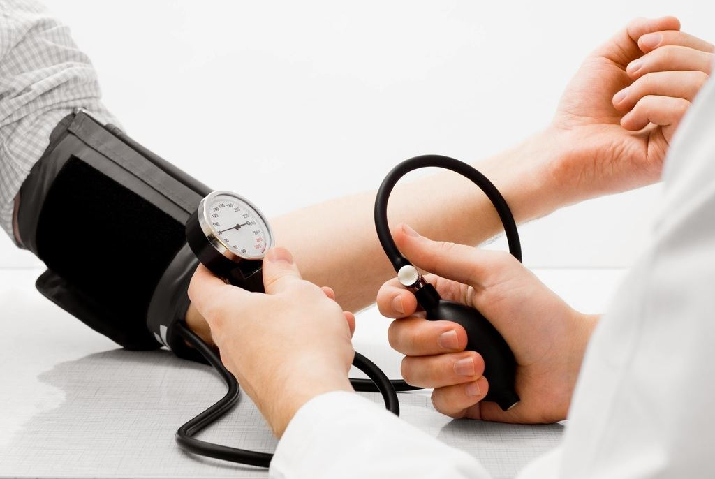 Tensión-baja-hipotensión-síntomas-causas-y-cómo-subirla