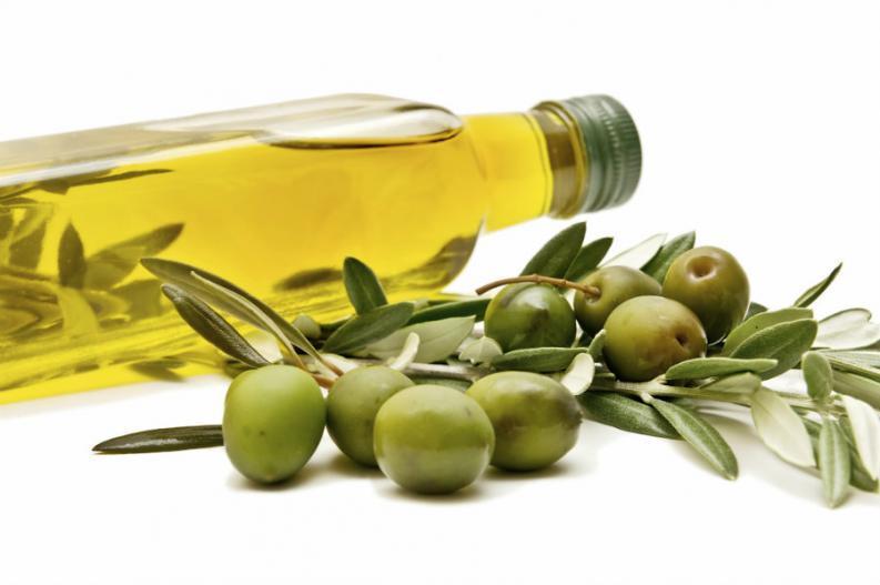 cuidados-naturales-para-tu-cabello-aceite-de-oliva