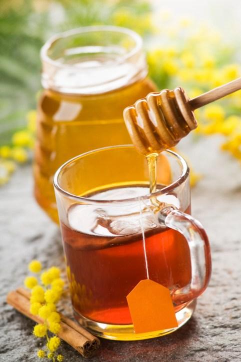 beneficios-de-la-miel-para-la-salud-tos