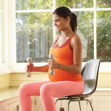 ejercicios-para-embarazadas-curl-y-levantar