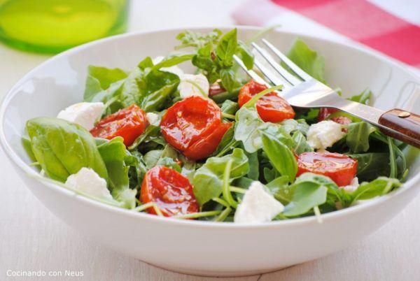 albahaca-propiedades-y-beneficios-ensalada