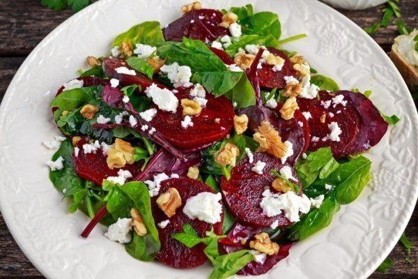 Beneficios de la remolacha en ensalada