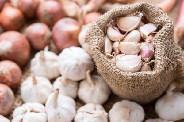 Remedios caseros para evitar los melanomas ajo