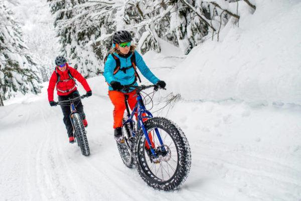 Mejores deportes para practicar en invierno fat bike