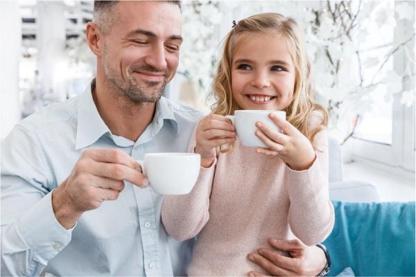 Descubre si los niños pueden tomar café