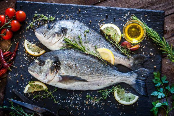 Alimentos que nos ayudan a combatir la celulitis este verano pescado