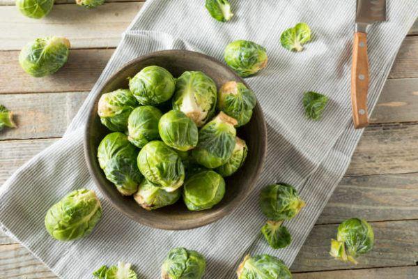 Los alimentos que nos ayudan a cuidar el cuerpo en otoño coles de bruselas