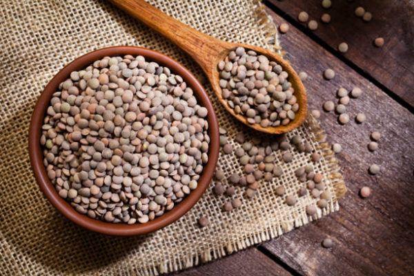 Los alimentos que nos ayudan a cuidar el cuerpo en otoño lentejas