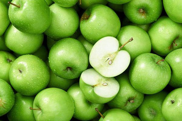 Los alimentos que nos ayudan a cuidar el cuerpo en otoño manzana