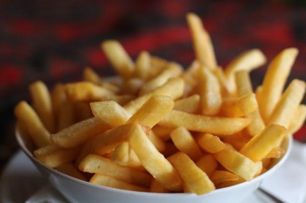 Aceite de semilla de algodón: qué es, posibles usos, beneficios y los peligros patatas fritas