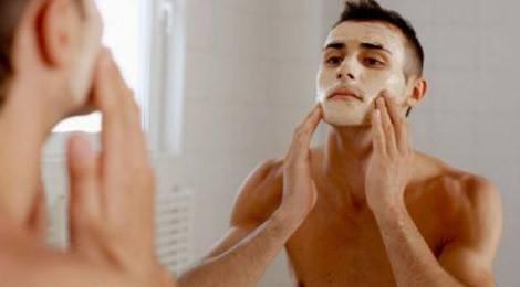 limpieza-facial-en-el-hombre-limpieza-facial-2