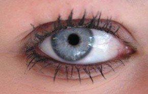 Remedios naturales para cuidar el contorno de los ojos