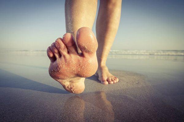 beneficios-de-andar-descalzos