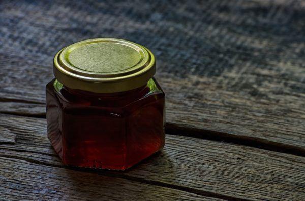 remedios-caseros-con-miel-resfriados-resaca-infección
