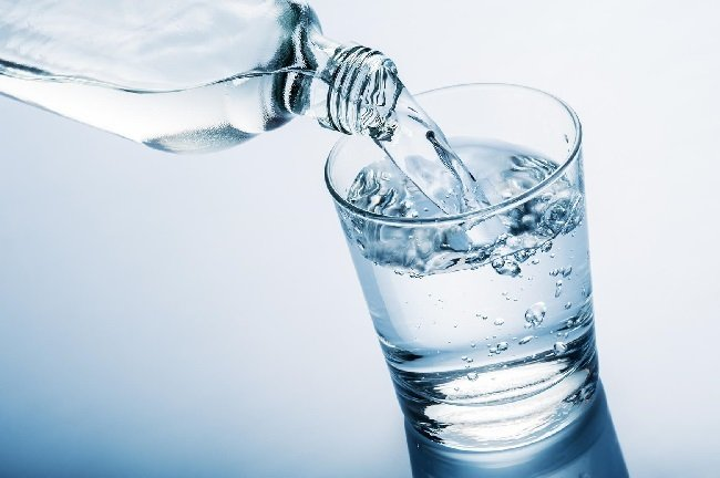 10-razones-por-las-que-necesitas-tomar-agua-tomar-agua