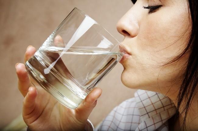 10-razones-por-las-que-necesitas-tomar-agua