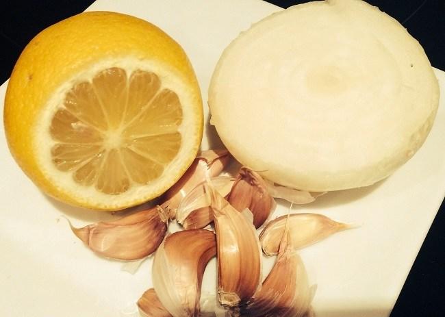 alopecia-causas-y-remedios-caseros-cebolla-ajo-limon