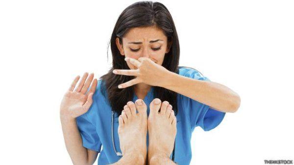 como-evitar-el-olor-de-pies-incomodidad