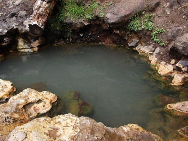 Aguas-termales-Beneficios-tratamientos