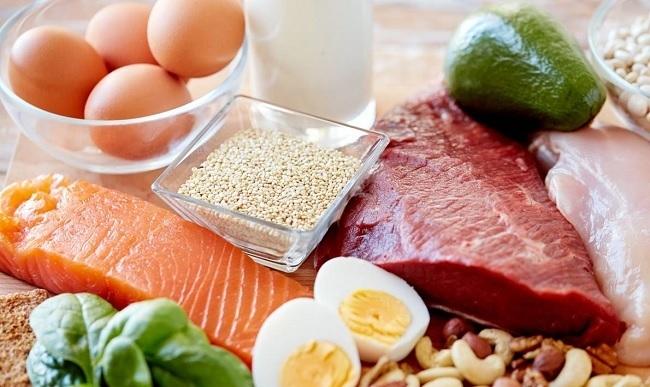 10-alimentos-que-nos-aportan-energia-para-todo-el-dia-carnes-huevos