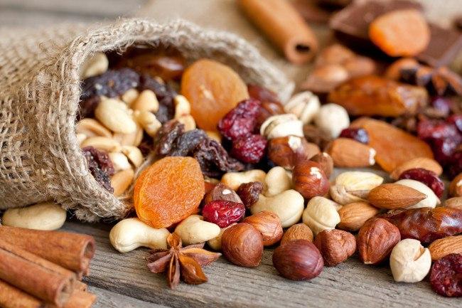 10-alimentos-que-nos-aportan-energia-para-todo-el-dia-frutos-secos