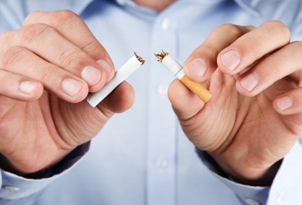 los-10-mejores-libros-para-dejar-de-fumar-cigarro-rompiendose