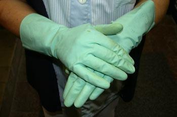 guantes para proteger manos y uñas