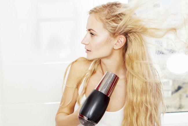 Beneficios-de-secarse-el-pelo-con-aire-frio