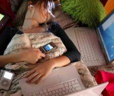 Por qué es malo dormir cerca de aparatos electrónicos