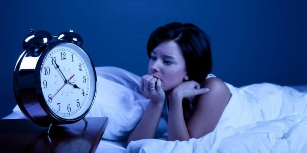 que-alimentos-afectas-al-sueño-insomnio