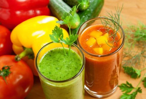 como-limpiar-el-intestino-de-manera-natural-batidos-vegetales