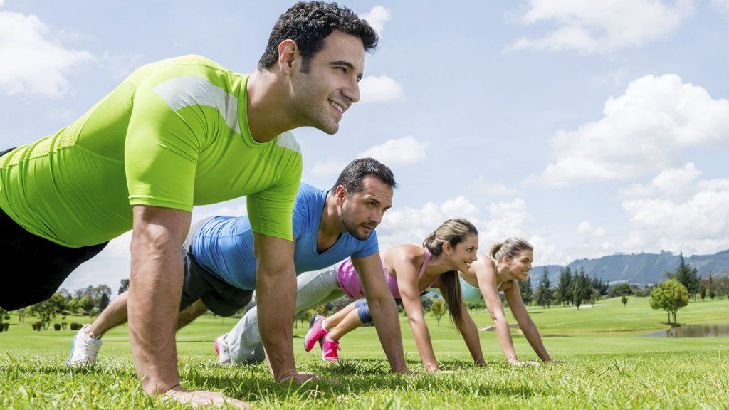 Rutinas-de-ejercicio-en-casa-para-hombres-y-para-mujeres