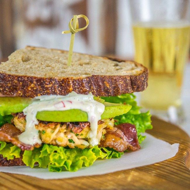 sandwiches-propiedades-nutritivas-y-beneficios-con-aguacate