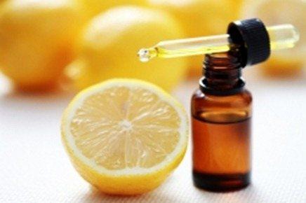 lens17746752_1300209376lemon_essential_oil