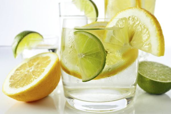 beneficios-de-tomar-agua-y-limon