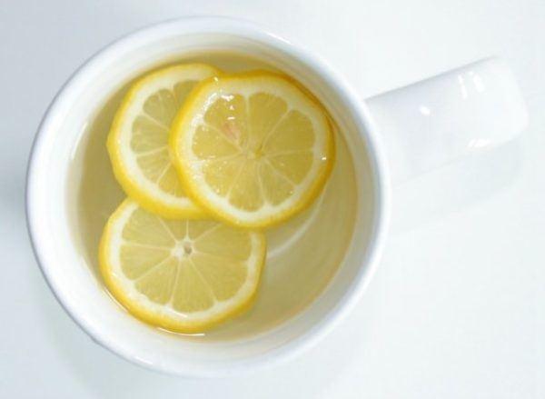 beneficios-del-agua-y-limon-en-ayunas