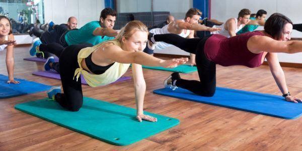 C mo hacer pilates en casa los mejores ejercicios - Como hacer pilates en casa ...