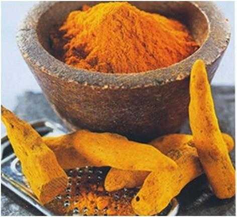 7 alimentos buenos para el hígado curcuma