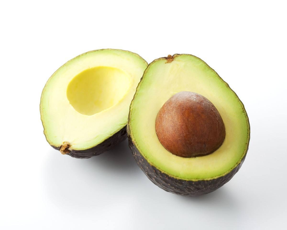 7-alimentos-buenos-para-el-higado-aguacate
