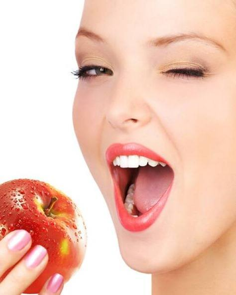 Biting-Apples-More-Damaging-your-Teeth-Than-Drinking-Soda