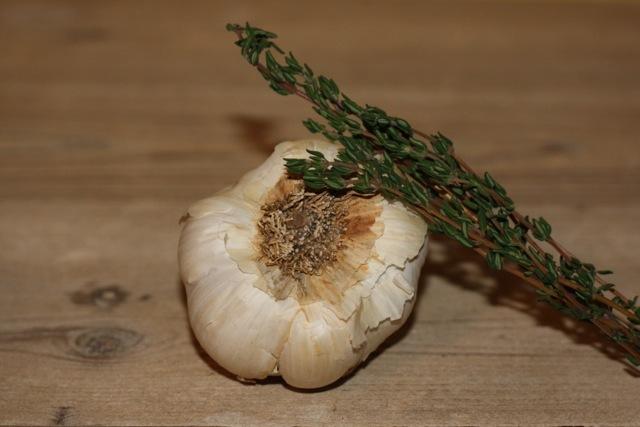 aceite-de-ajo-aromatizado-a-oregano-romero-y-tomillo