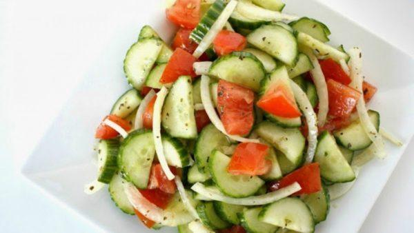 beneficios-del-pepino-para-la-salud-ensalada