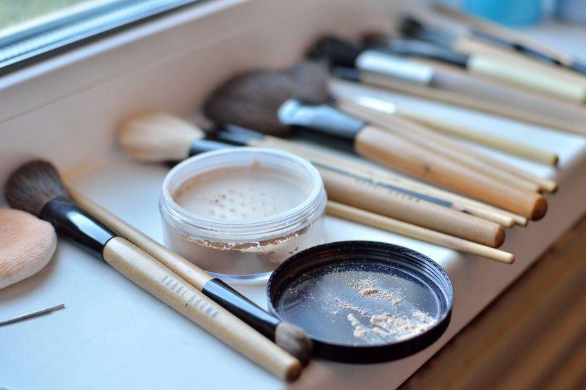 alergias-a-los-maquillajes-señales-de-alergias-a-los-cosmeticos-brochas