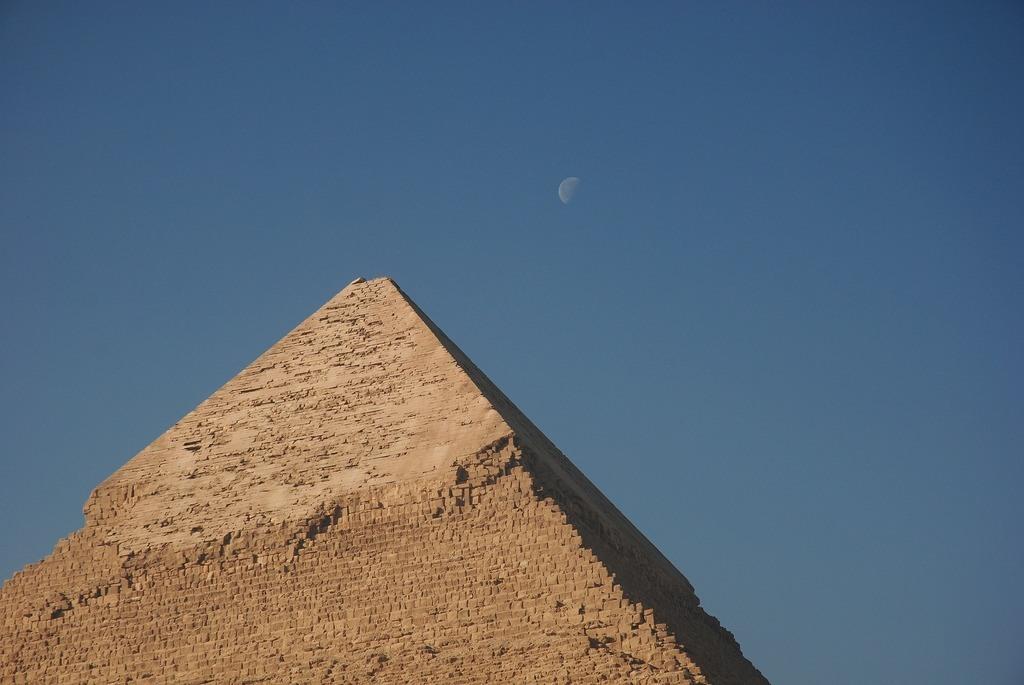 Aromaterapia-Egipcia-Que-es-y-en-que-se-basa-la-aromaterapia-egipcia-piramides