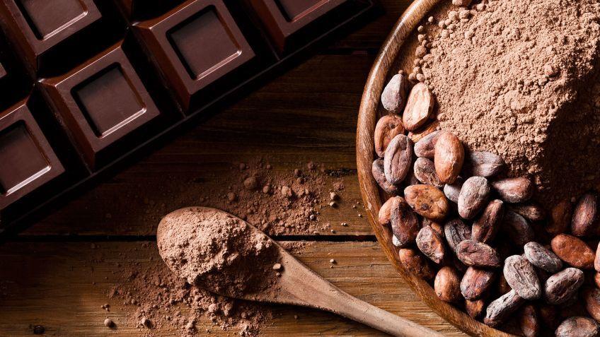 10-ejercicios-para-ejercitar-la-mente-que-ayudan-a-tu-salud-chocolate-negro