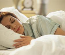 Dormir poco, disminuiría los beneficios del ejercicio y aumentaría el riesgo al cáncer.