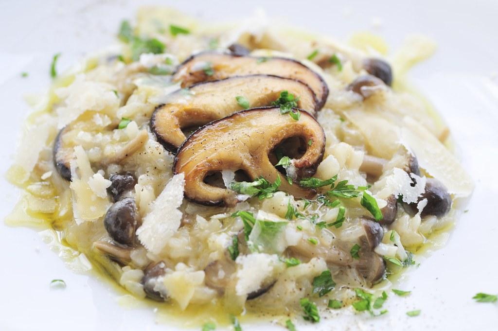 5-maneras-de-cocinar-la-pasta-de-forma-saludable-risotto-de-setas