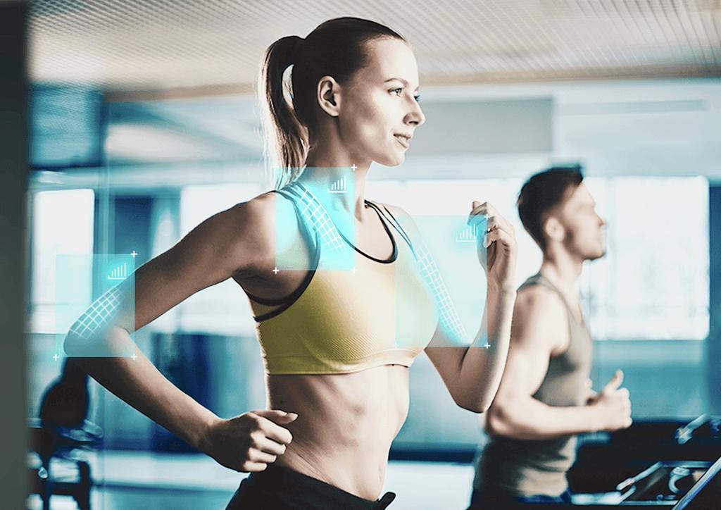 como-evitar-la-irritacion-de-la-piel-durante-el-ejercicio-por-que-se-poduce-mujer-corriendo